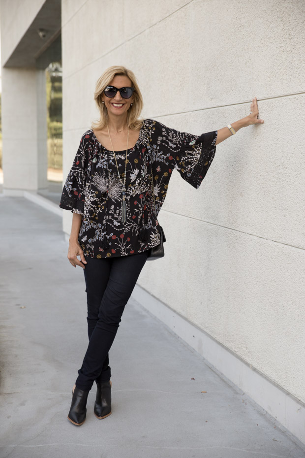 black casual black floral print top with lace trim