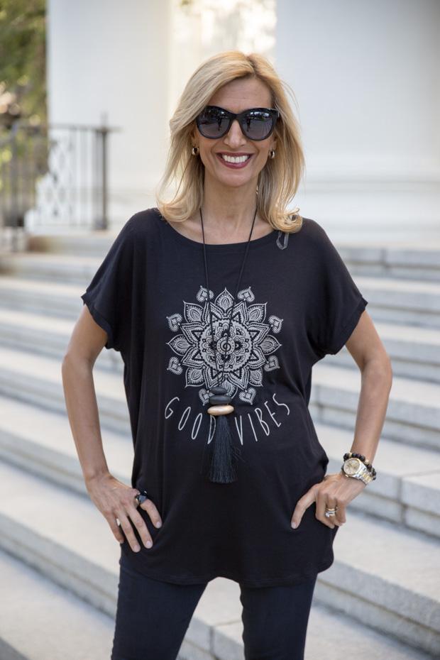womens black rayon t shirt with good vibes print