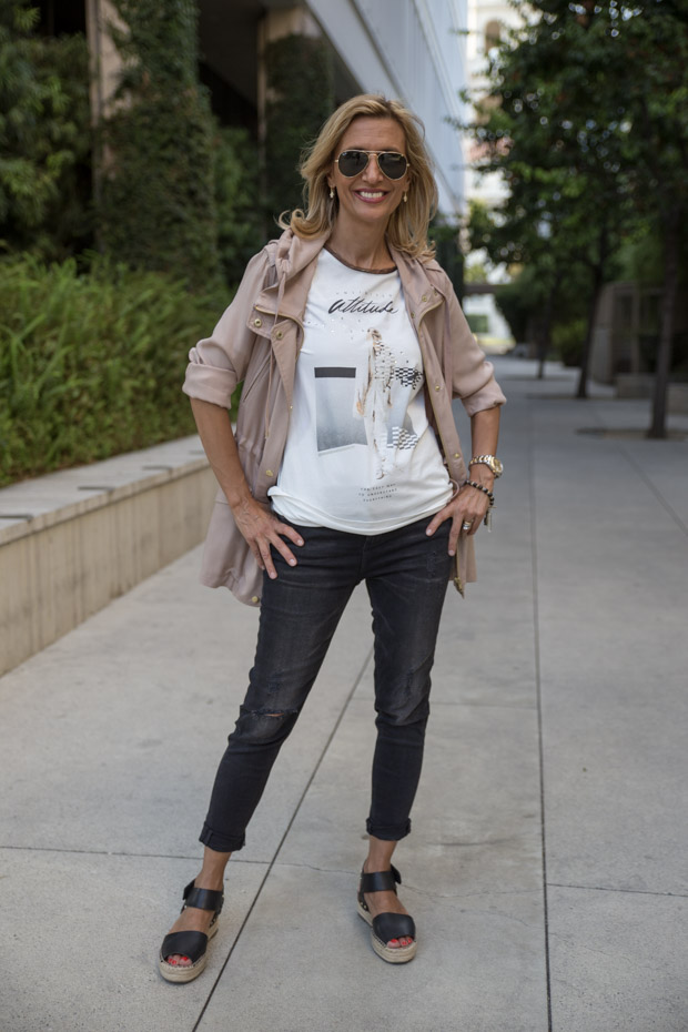 casual look with tan cargo jacket looks great