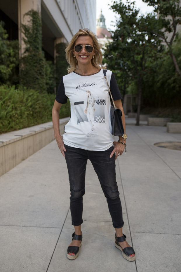 black jeans and grifflin t shirt