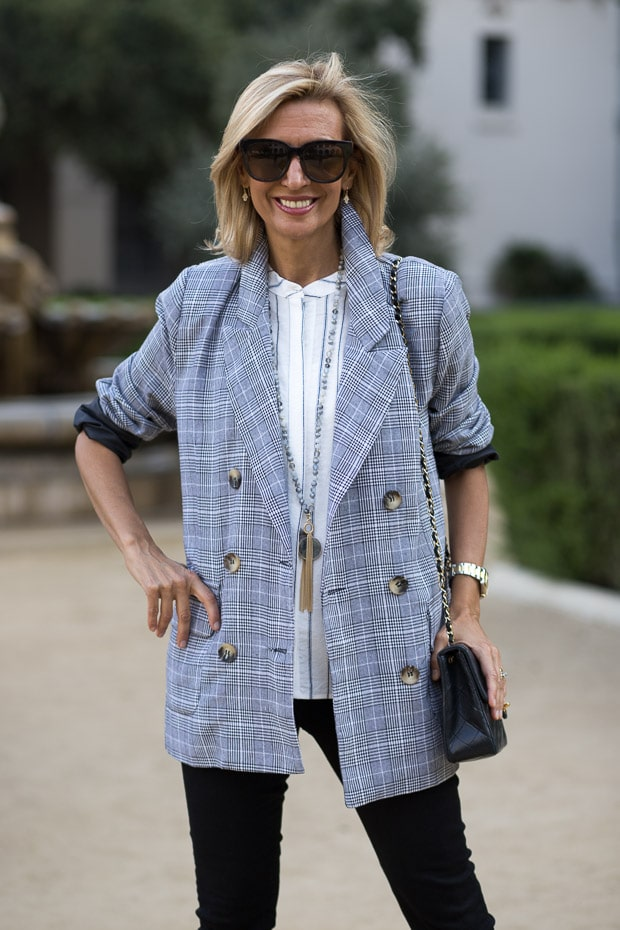 fall trend for women double breasted gray plaid blazer sleeves rolled up
