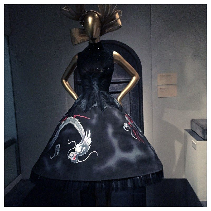 Jacket-Society-MET-Exhibit-China-Through-The-Looking-Glass (13)