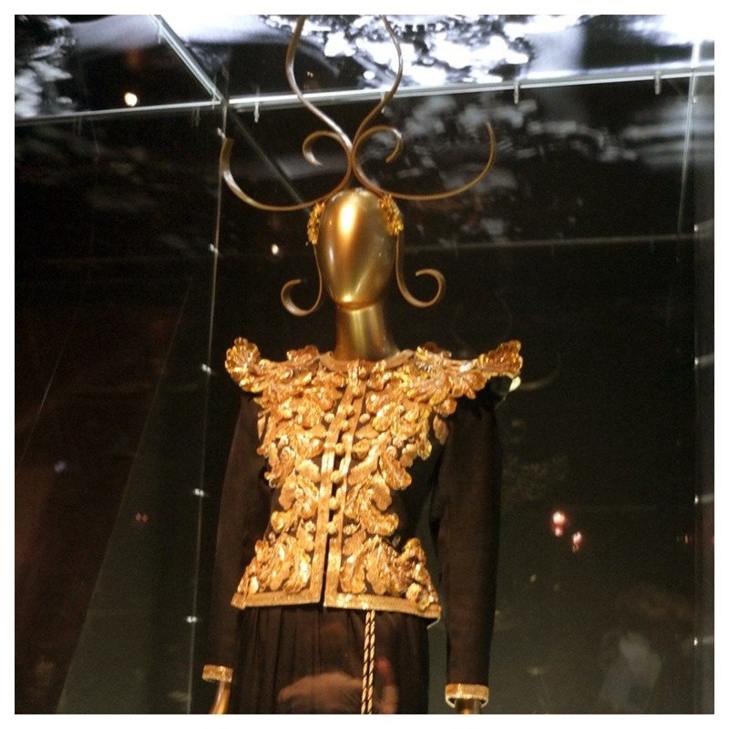 Jacket-Society-MET-Exhibit-China-Through-The-Looking-Glass (8)