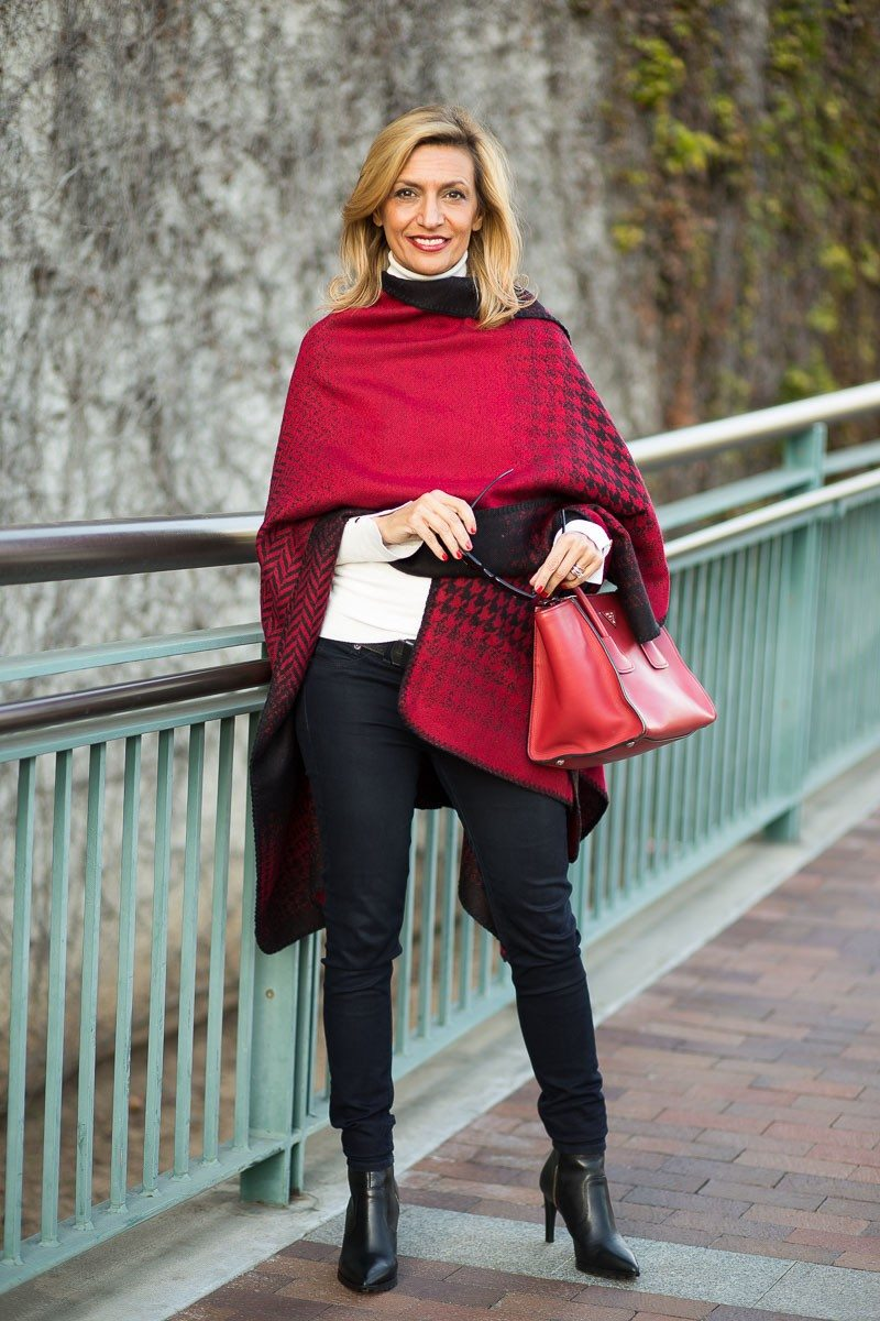 Jacket-Society-Our Reversible Houndstooth And Herringbone Ponchos-2161