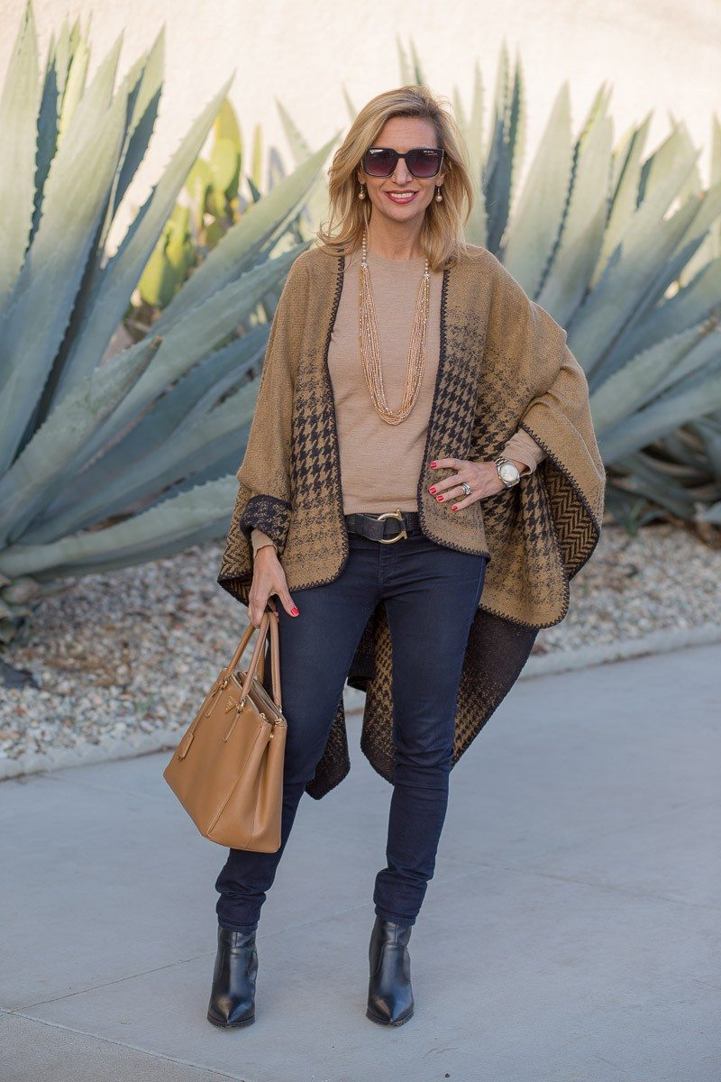 Jacket-Society-Our Reversible Houndstooth And Herringbone Ponchos-2192