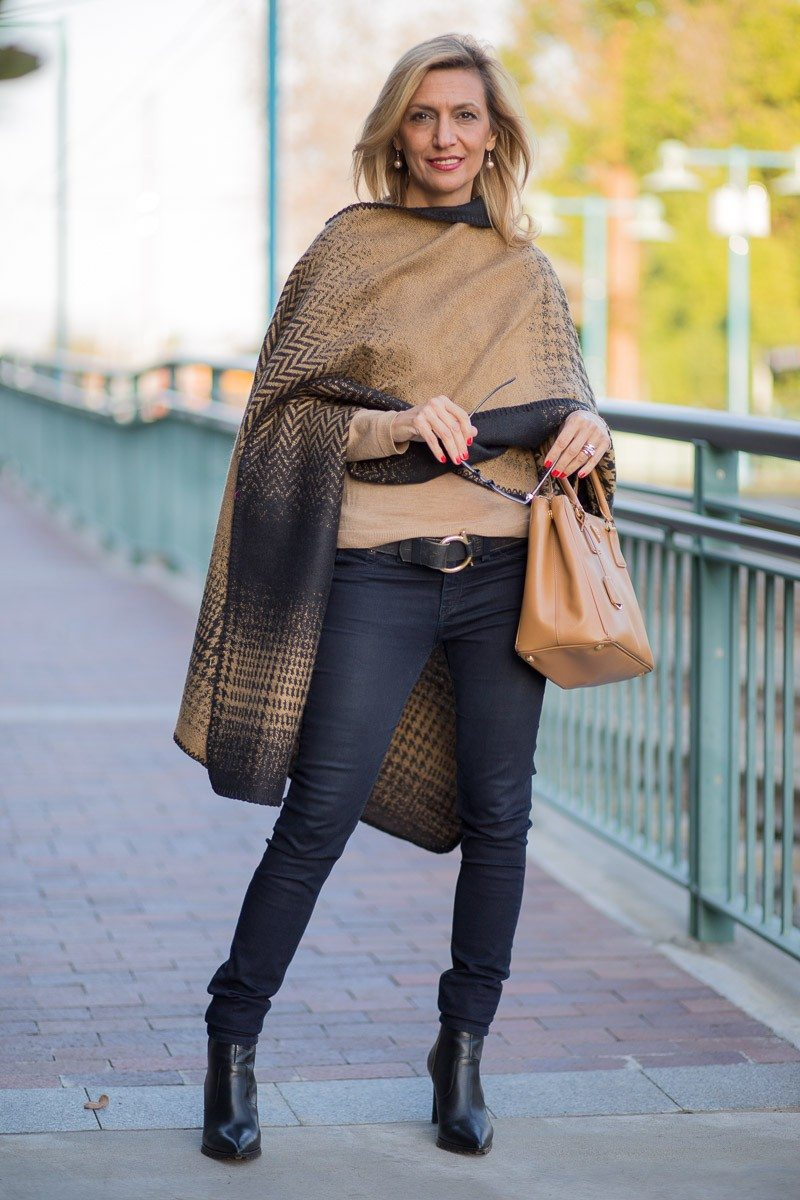 Jacket-Society-Our Reversible Houndstooth And Herringbone Ponchos-2201