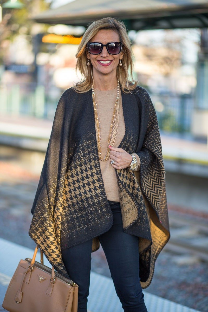 Jacket-Society-Our Reversible Houndstooth And Herringbone Ponchos-2205