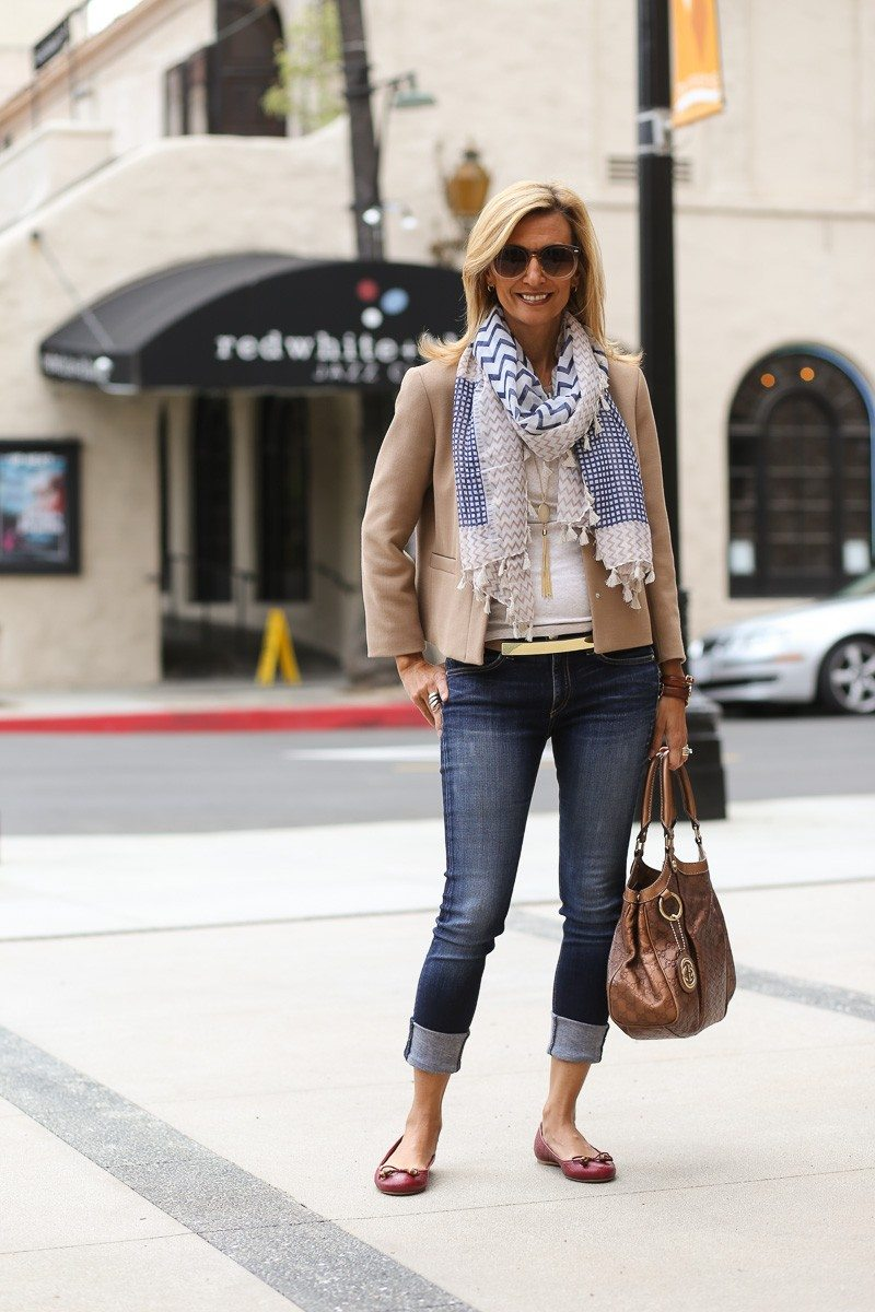Jacket-Society-casual-look-for-a-movie-and-dinner-date-4093