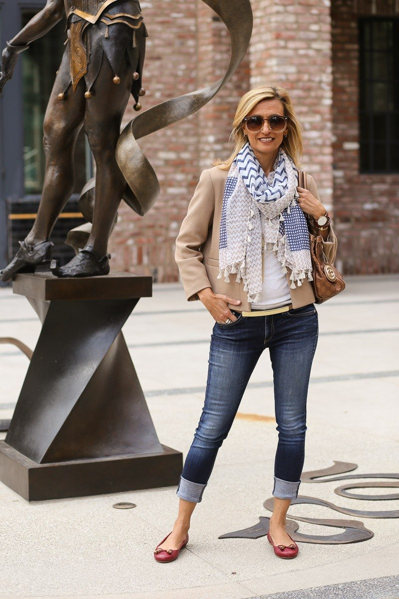 Jacket-Society-casual-look-for-a-movie-and-dinner-date-4107