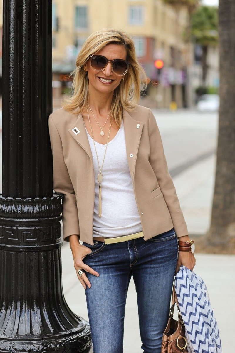 Jacket-Society-casual-look-for-a-movie-and-dinner-date-4134