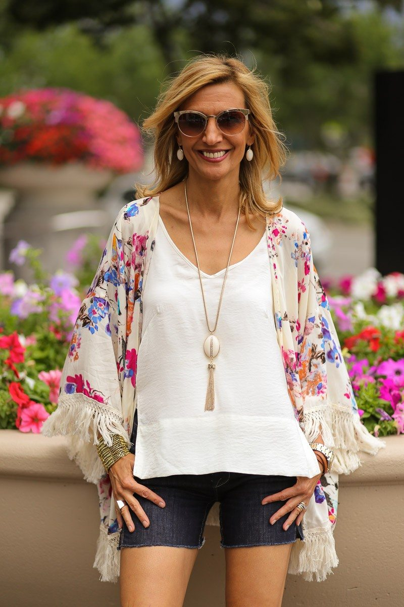 Jacket-Society-celebrating-the-fourth-of-july-wearin-our-new-rose-kimono-4634