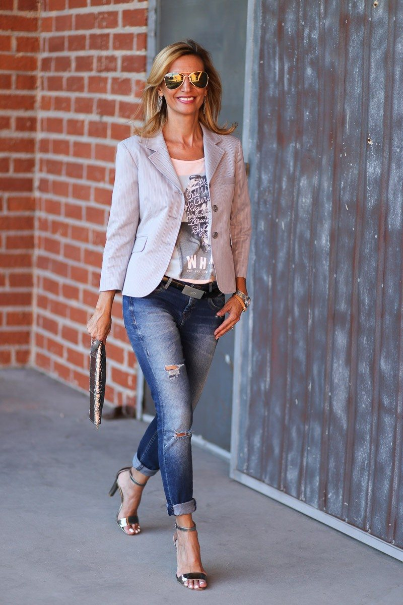 Jacket-Society-transitioning-into-fall-with-our-savannah-stripe-blazer-9054