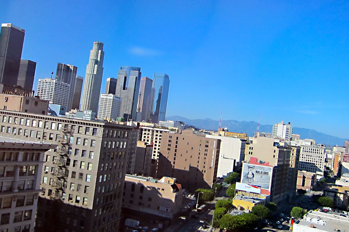 The View Of Los Angeles From The Penthouse Suite At The California Market Center - There Is A Full 360 Of LA ! Beautiful Weather !