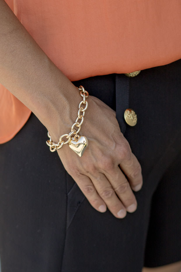 gold heart pendant bracelet