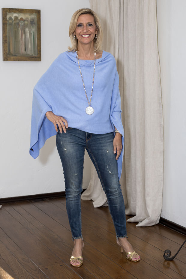 poncho for women Periwinkle blue color