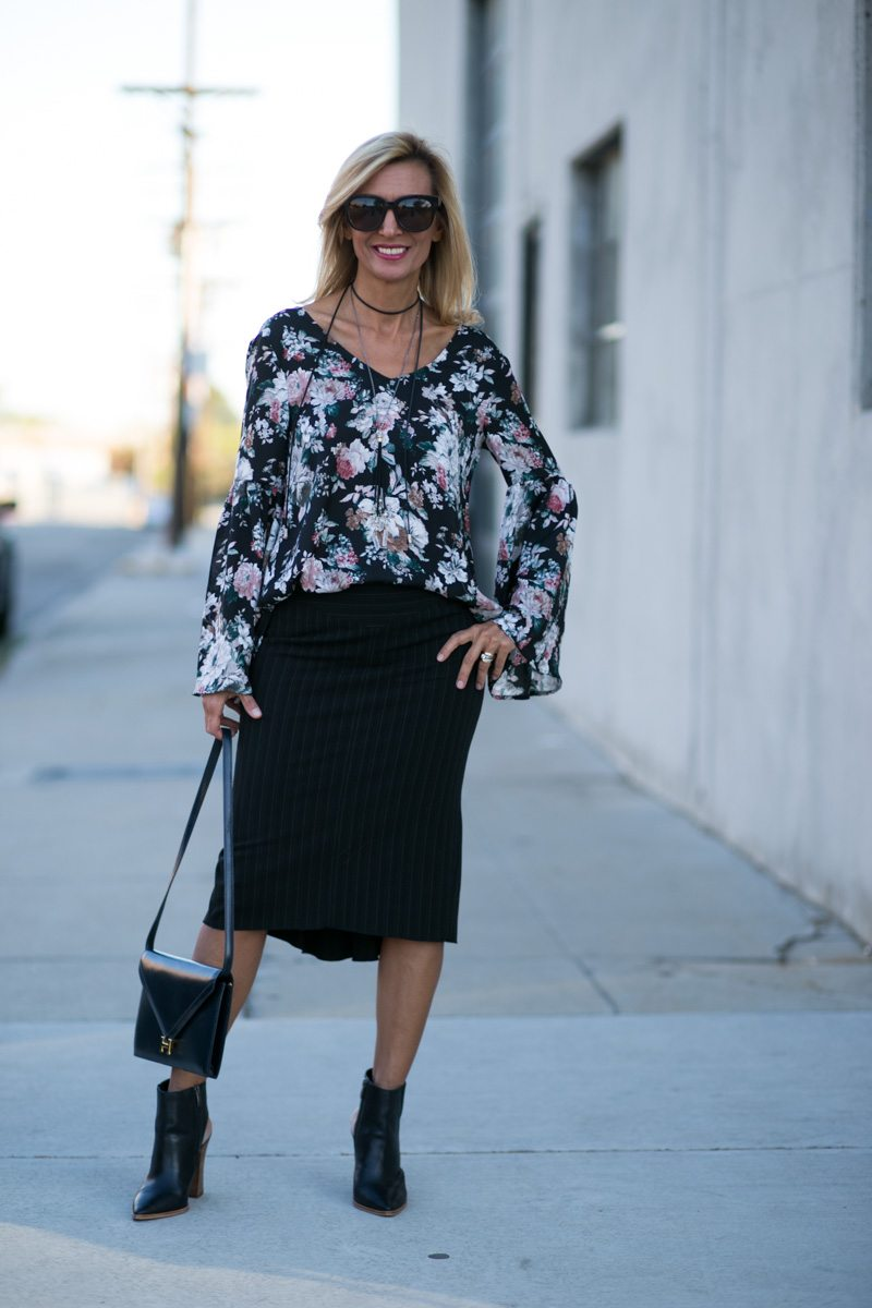 vintage-floral-top-with-bell-sleeves-jacket-society-7784