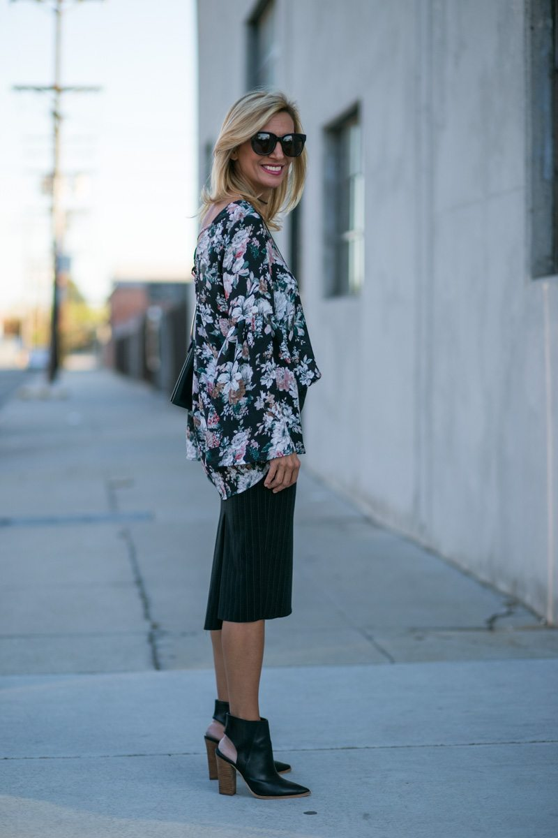 vintage-floral-top-with-bell-sleeves-jacket-society-7789