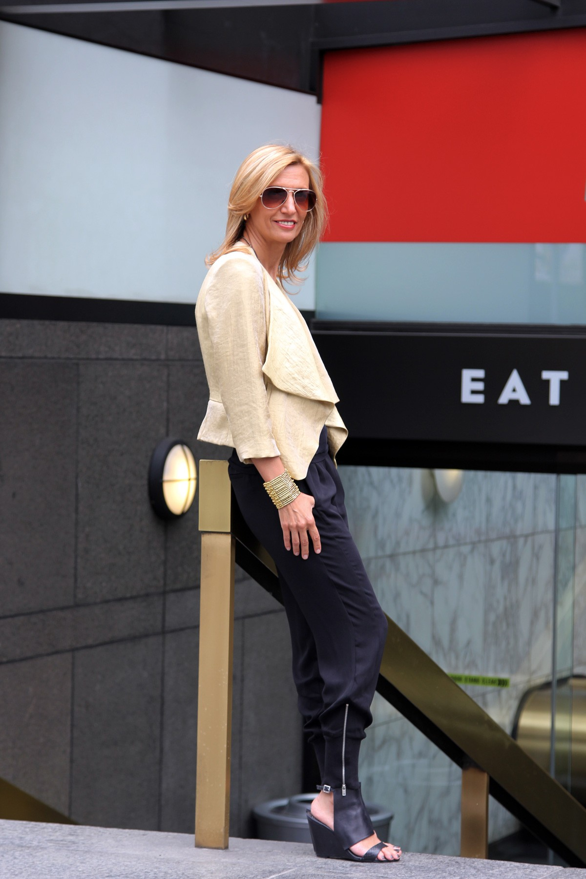 visiting-downtown-los-angeles-wearing-my-soleil-jacket-www.jacketsociety.com(3)