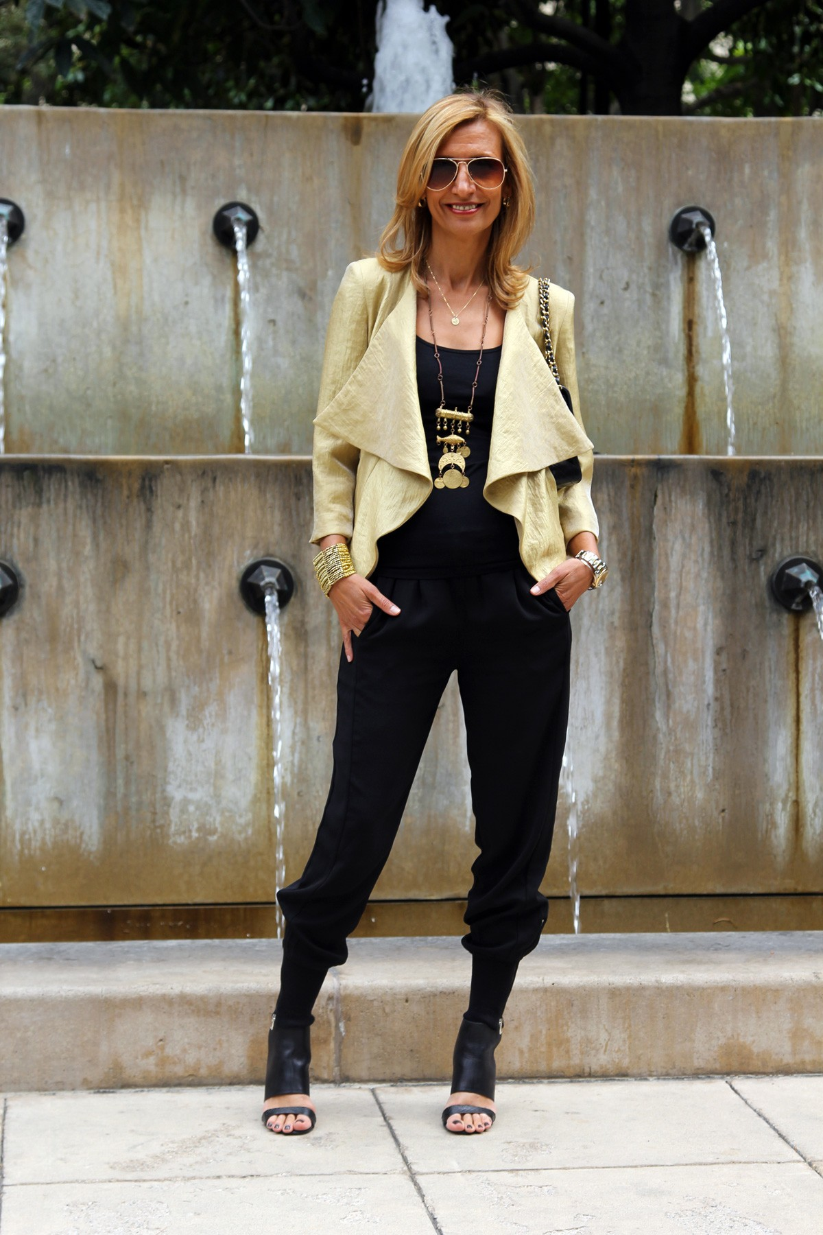visiting-downtown-los-angeles-wearing-my-soleil-jacket-www.jacketsociety.com(4)